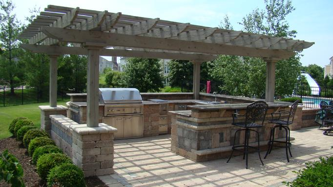 Cedar pergola for Outdoor kitchen pergola ideas